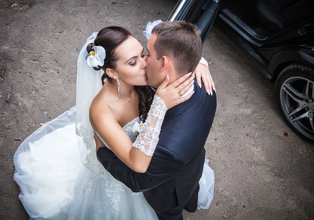 Need Last Minute Wedding Transportation? Check Our Availability