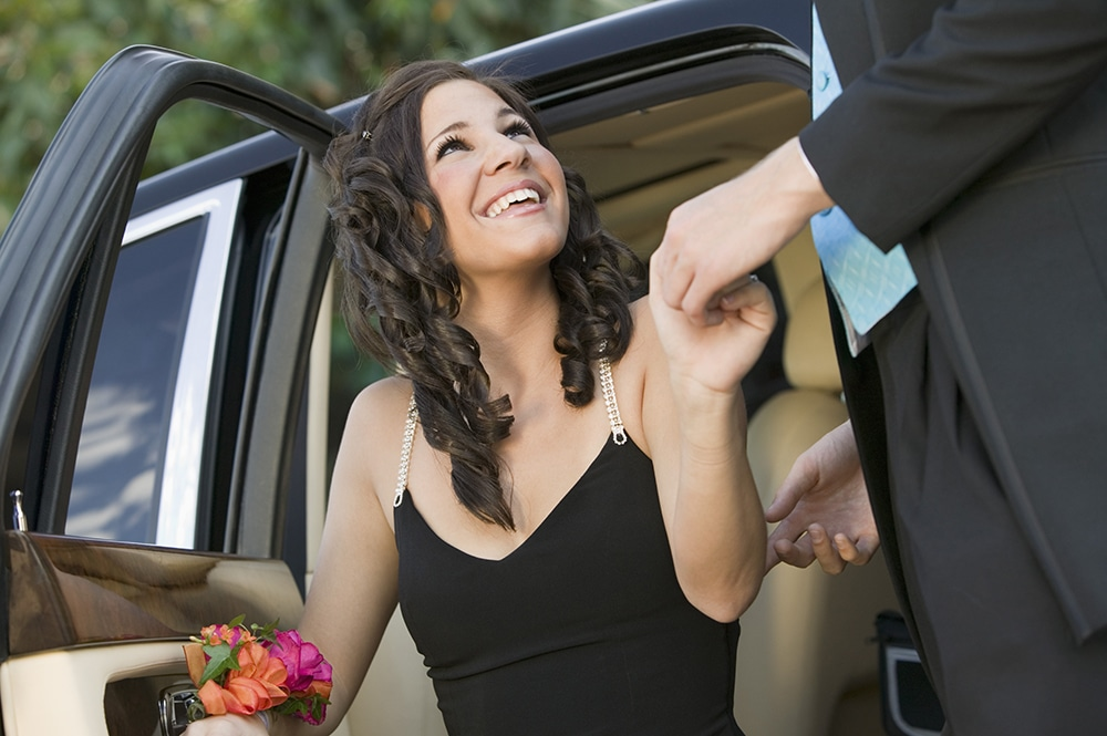 Tips For Booking Your Prom Limousine